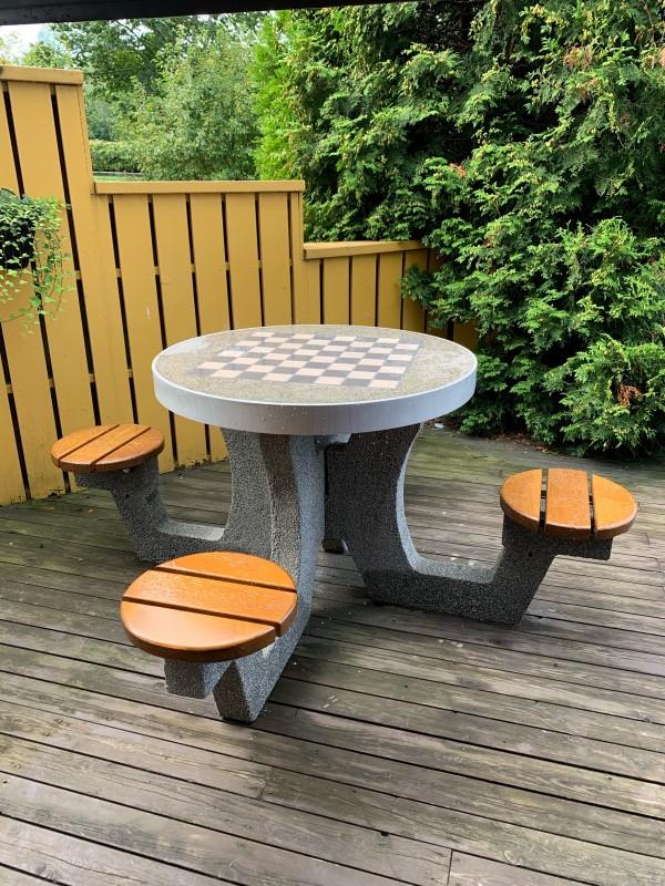 Plac zabaw Betonowy stół do gry w szachy / warcaby 03 INTER FUN