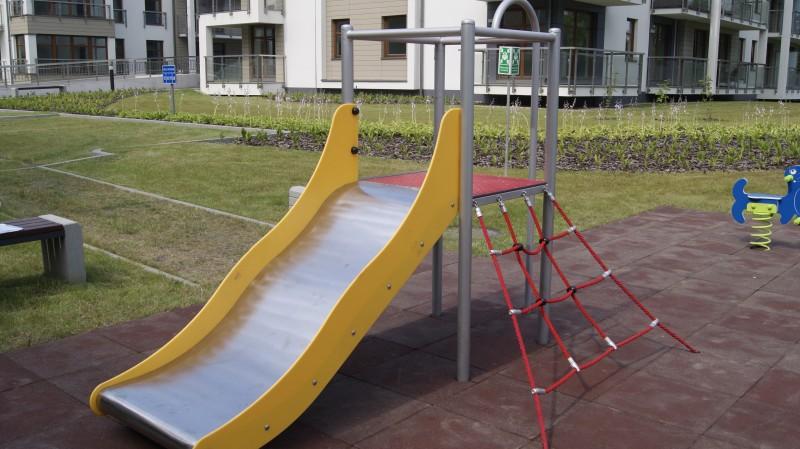 Plac zabaw Bezpieczna płytka 500x500x30mm - czerwona INTER FUN