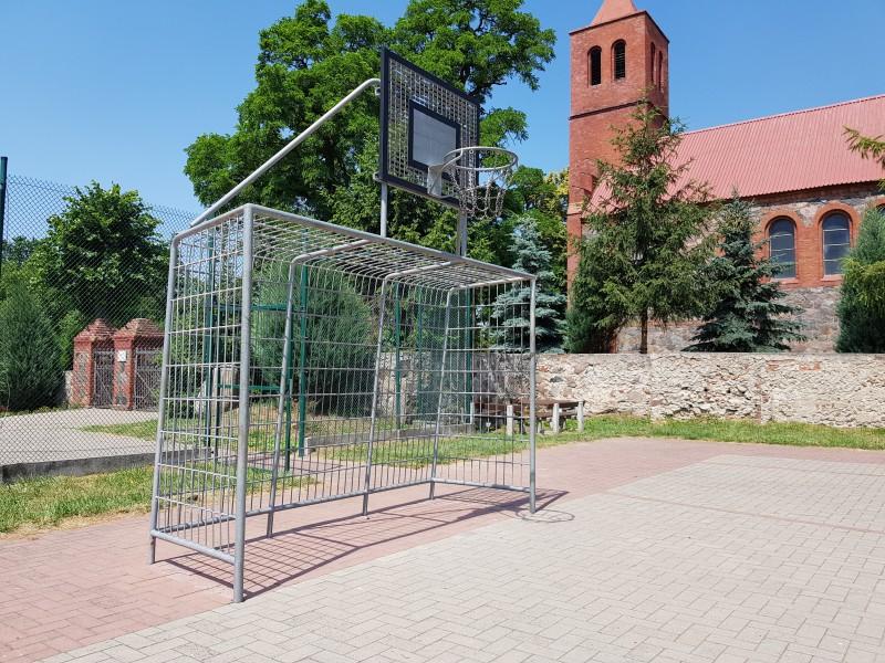 Plac zabaw Bramka kratowa z koszem INTER FUN
