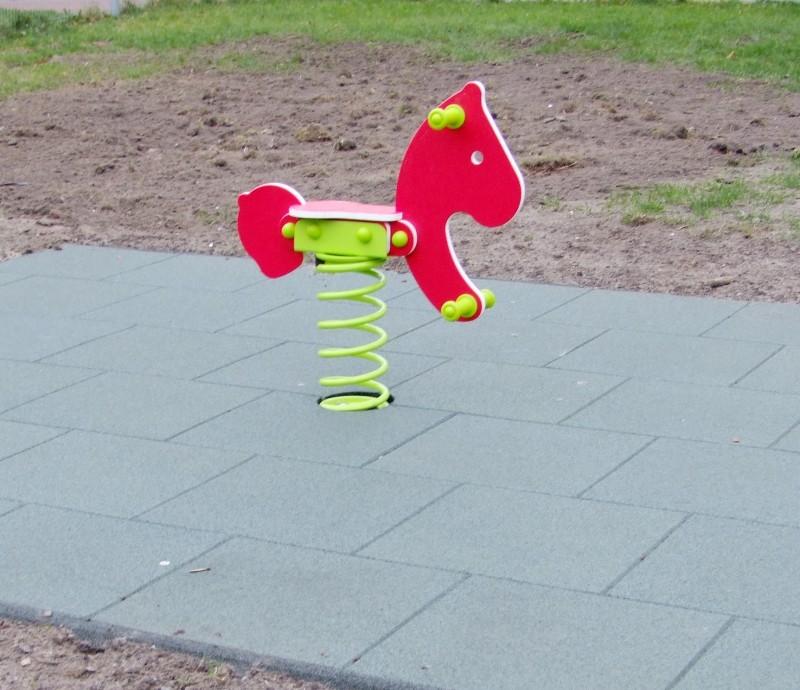 Plac zabaw Bezpieczna płytka 500x500x30mm - zielona INTER FUN
